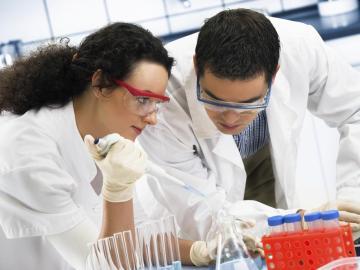 Jóvenes investigadores españoles