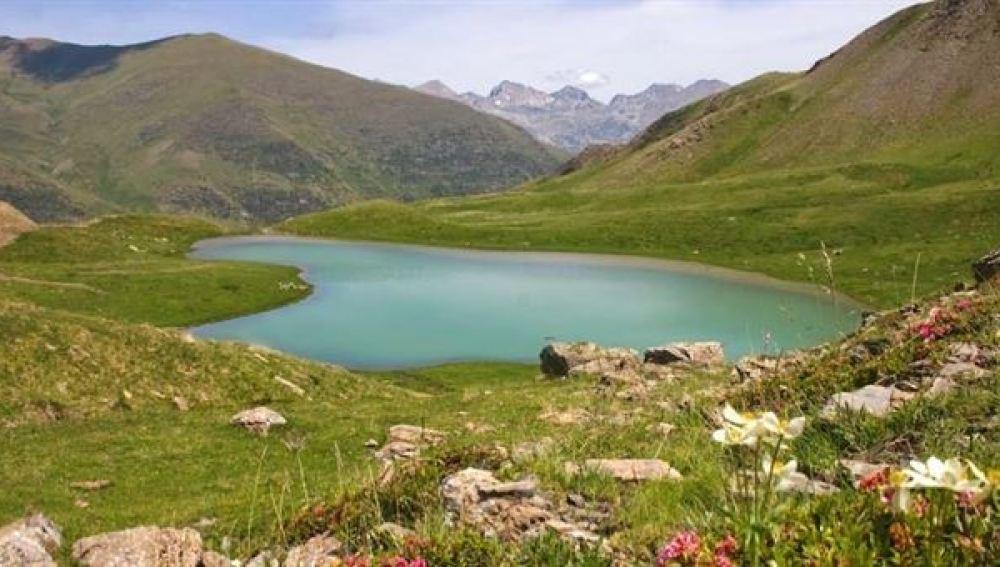 Los lagos de Aigüestortes en Lleida tienen una riqueza genética superior a la de la superficie de todos los océanos