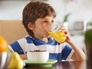 Zumos de frutas para crecer fuertes y sanos