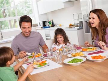 Consejos para prevenir la obesidad infantil en la mesa