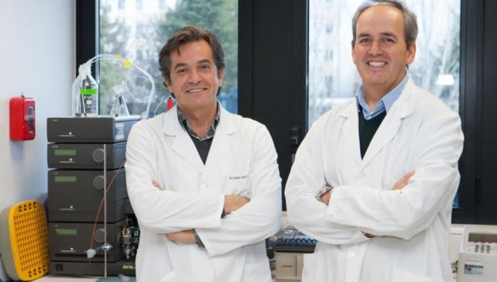 Los doctores José Ángel Martínez-Climent y Juan José Lasarte, investigadores del CIMA de la Universidad de Navarra.