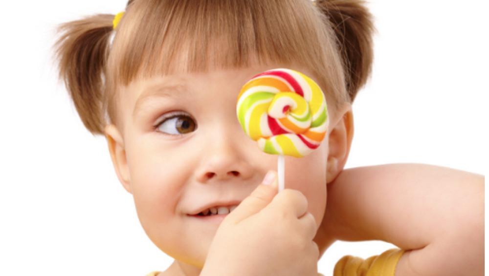 La OMS recomienda reducir la ingesta de azúcar para combatir la obesidad infantil