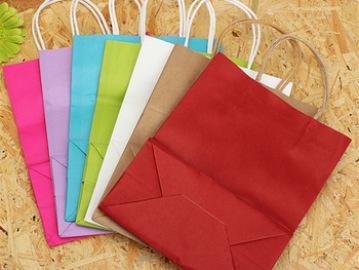 El 60% de los comercios españoles utilizan bolsas de papel
