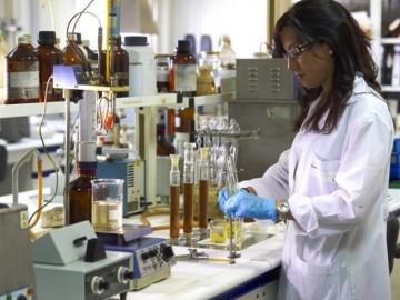 La industria farmacéutica invirtió 949 millones en investigación en 2014