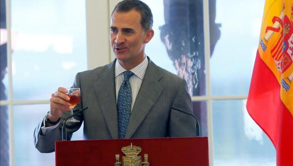 El rey Felipe VI entrega el Premio Jaime I a la AECC