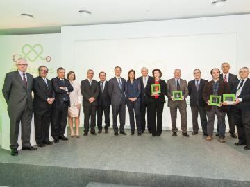 Foto de grupo con los premiados de la I edición de los Premios Constantes y Vitales