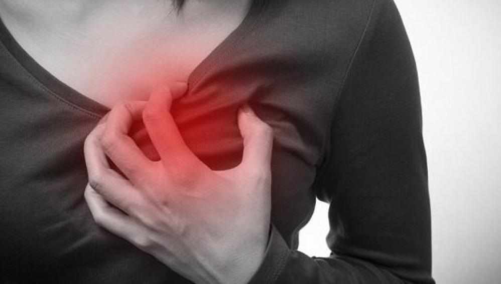 ¿Cuáles son los síntomas previos de un ataque al corazón?