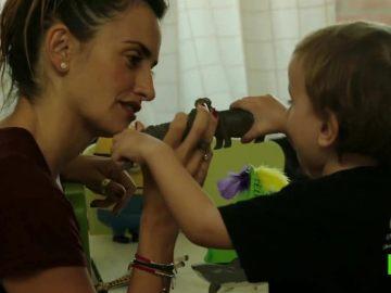 Frame del documental de Penélope Cruz