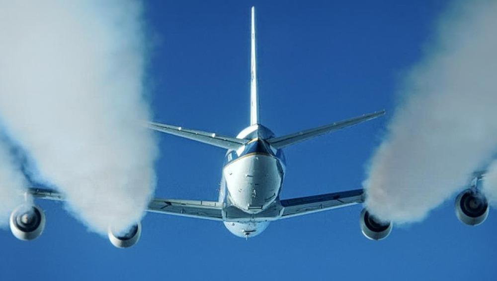 Histórico acuerdo internacional para reducir las emisiones de CO2 en la aviación comercial