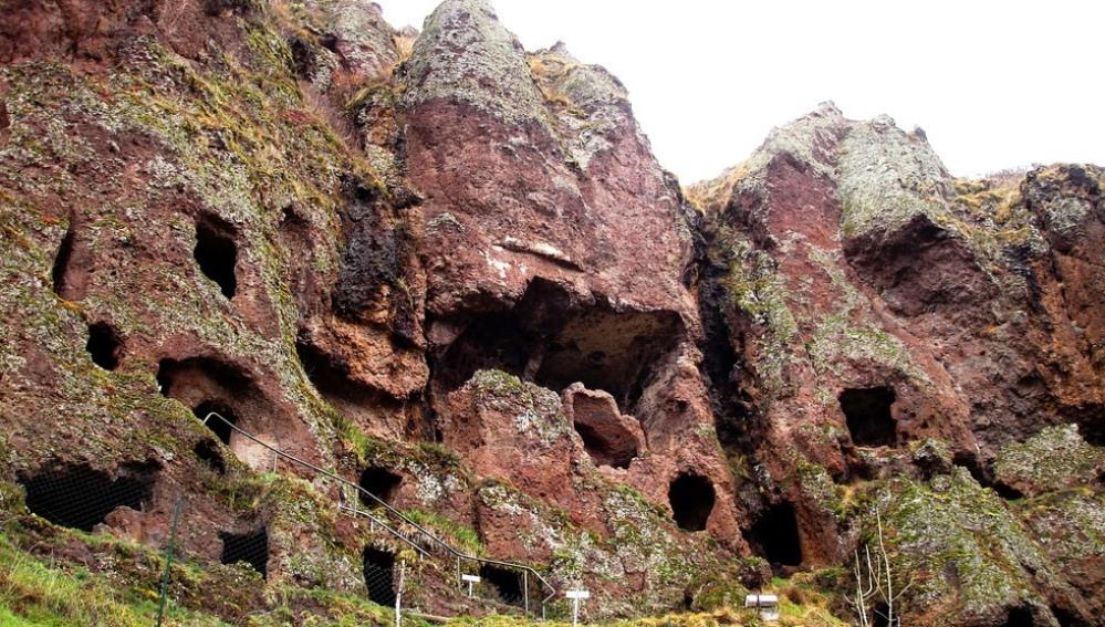 Grutas de Jonas, Auvergne, Francia