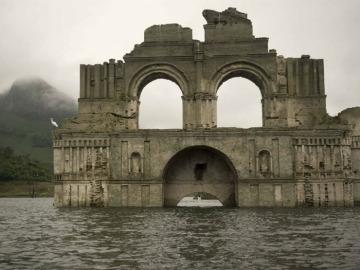Un templo del siglo XVI resurge de las aguas debido a la sequía en México