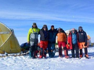La expedición 'Cumbre de Hielo Groenlandia' finaliza con éxito constantado el deshielo del Ártico