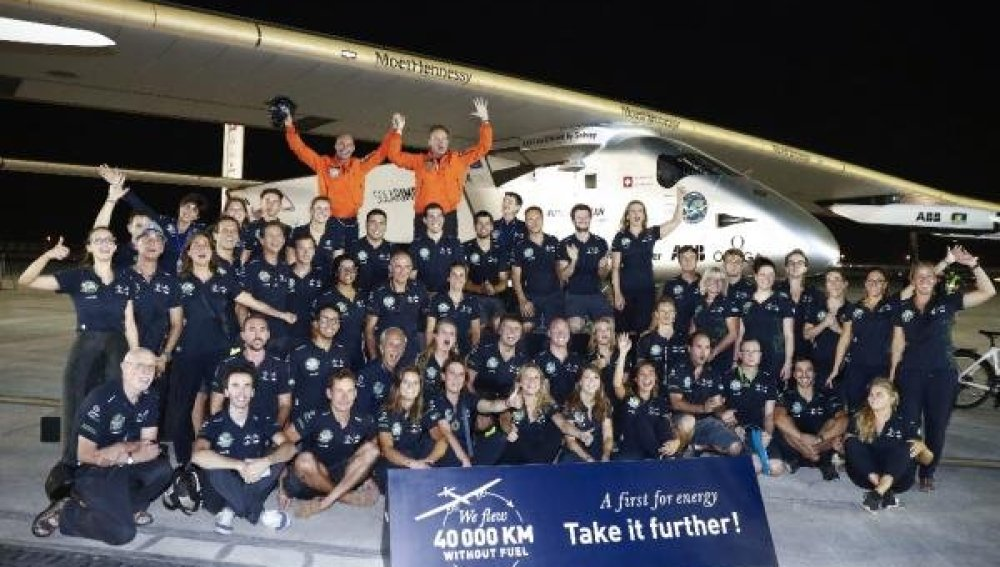 Solar Impulse II completa la vuelta al mundo