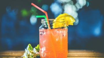Refréscate con las bebidas más saludables de este verano