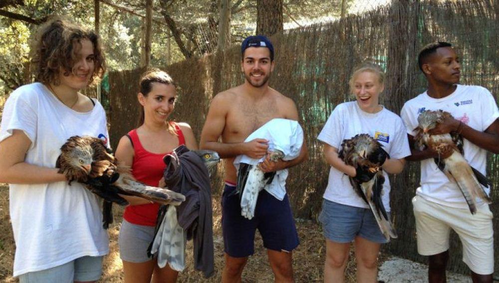 Un campamento reúne a jóvenes de distintos países para ayudar a especies amenazadas