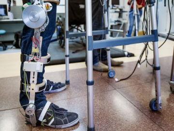 Desarrollan un exoesqueleto robótico para rehabilitar a pacientes que han sufrido un accidente cardiovascular
