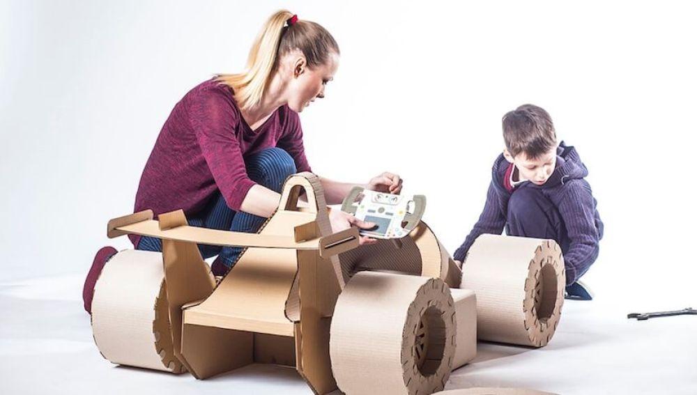Siete juegos hechos con material reciclado
