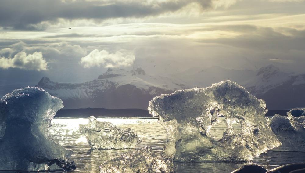 Por cada tonelada de CO2 que emite el hombre, desaparecen 3 metros cuadrados de hielo ártico