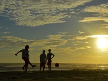 Anima a tus hijos a moverse con estas cinco actividades para toda la familia
