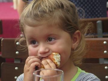 Nueve de cada diez niños consumen más grasas saturadas de las recomendadas