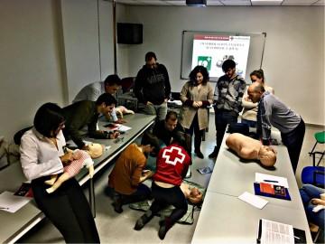 Formación de Cruz Roja de Santomera para el correcto uso de los desfibriladores