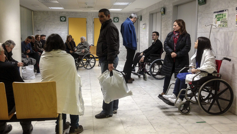 Sala de espera de un hospital, imagen de archivo