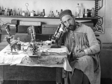 Ramón y Cajal y sus dibujos para explicar la estructura de las neuronas
