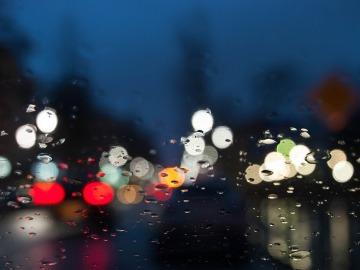 lluvia y conducción