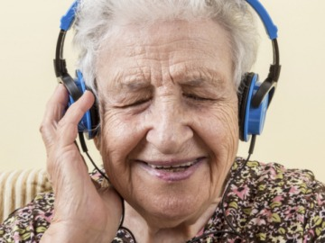 La musicoterapia, clave para personas que padecen Alzheimer leve