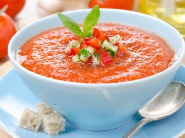 Celebra con tus hijos el Día de Andalucía con esta receta saludable de Gazpacho