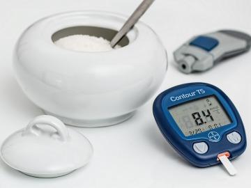 Las complicaciones de la diabetes tipo 1 y tipo 2 prevalecen en la adolescencia