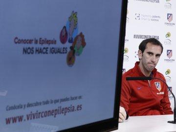 Diego Godín apoya la promoción del deporte para controlar las crisis epilépticas en niños