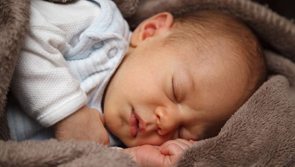 Los niños que se van a la cama más temprano pueden prevenir la obesidad en la adolescencia