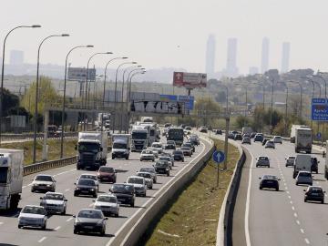 Vista de las carreteras con tráfico denso
