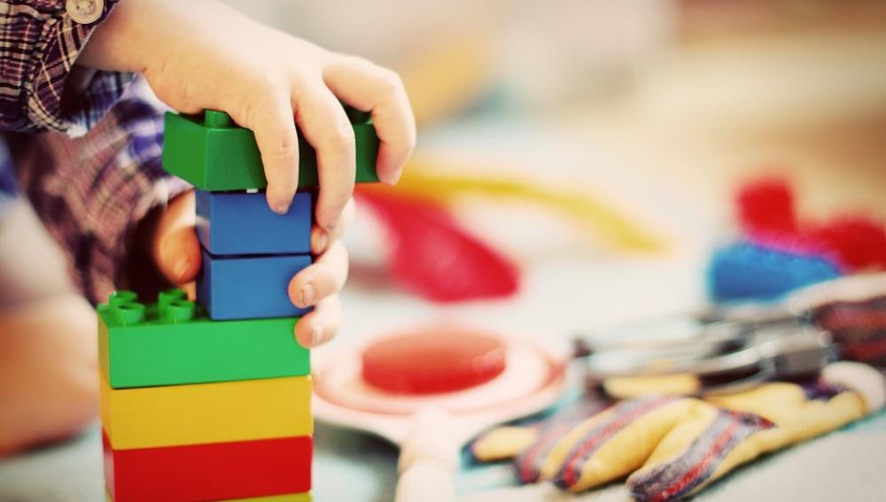 Un niño dona el importe de sus regalos de Primera Comunión para la investigación científica
