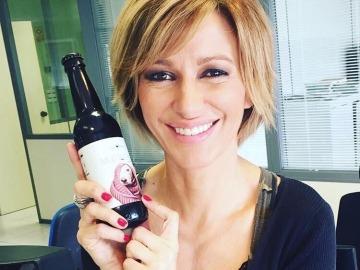 Susanna Griso se suma  a la iniciativa de la cerveza Mustache contra el abandono de galgos