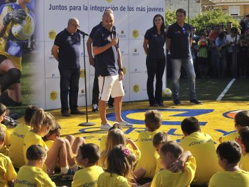 Iniesta inaugura el 'Cruyff Court' en Fuentealbilla