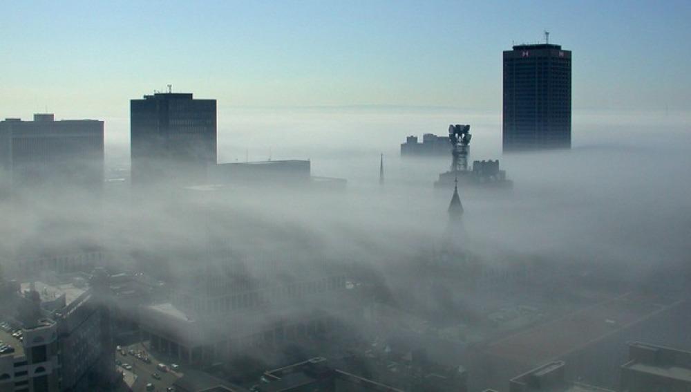 Contaminación en las ciudades, imagen de archivo