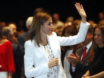 Letizia Ortíz preside el acto de la AECC