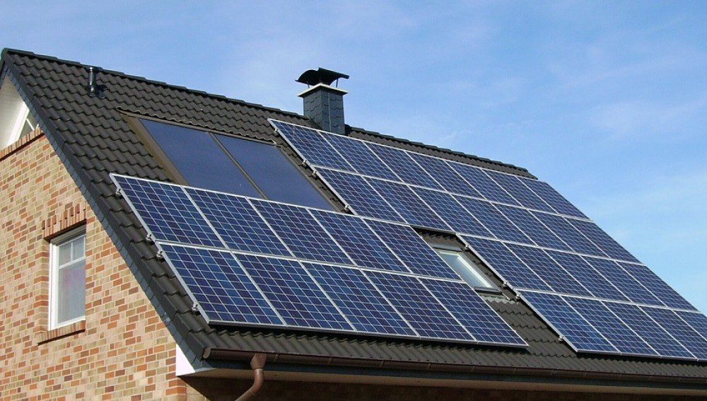 Uno de cada tres españoles participaría en la transición energética, según Greenpeace