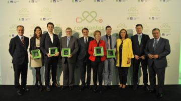 Foto de familia con los premiados en la III Edición de los Premios Constantes y Vitales