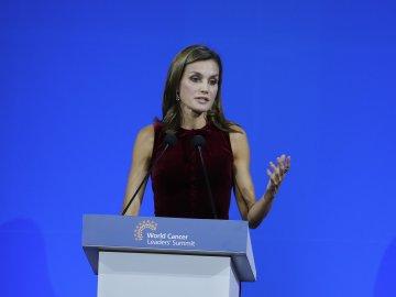 La reina Letizia destaca el compromiso de España en la lucha contra el cáncer