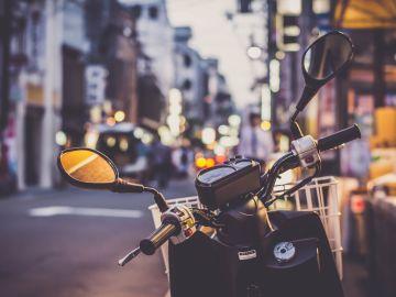 Moto en la ciudad