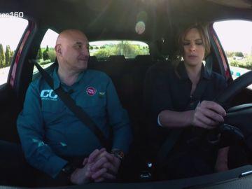 Mercedes Martín, meteoróloga de Antena 3 Noticias, comprueba la utilidad de los sistemas de ayuda a la conducción