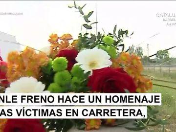 Así  es cómo colocamos los 'ramos de concienciación de accidentes' en las carreteras españolas