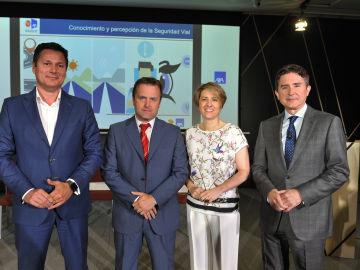 Josep Alfonso, Director de Fundación AXA, David del Castillo de TNS, Patricia Pérez, Directora General Corporativa Atresmedia y José María Plaza, Presidente del Centro  Estudios Ponle Freno-AXA