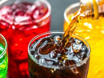 Las bebidas endulcoradas reducen el riesgo de cáncer de colon o muerte