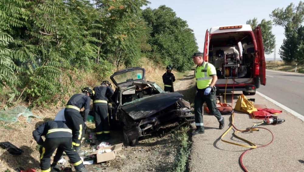Heridas dos personas en un accidente de tráfico en la N-601 a la altura de Hornillos de Eresma (Valladolid)