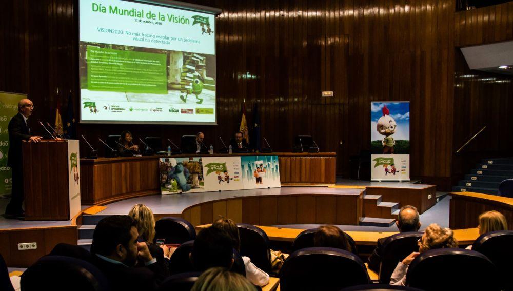 La campaña de salud visual 'Ver para Aprender' llega a cerca de 4.000 escuelas de toda España