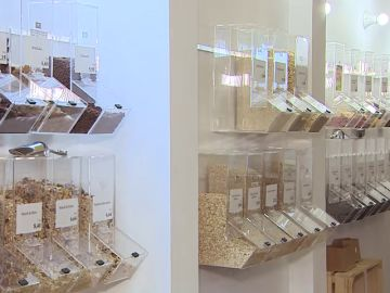 Visitamos el primer supermercado libre de plásticos en Madrid
